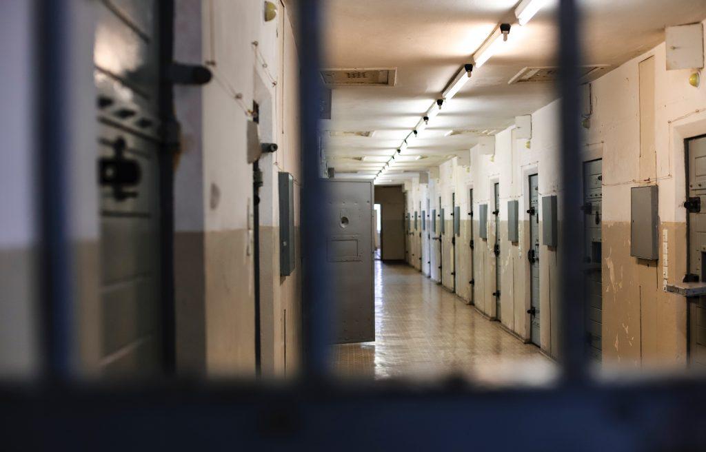 matthew ansley ihl2Q5F VYA unsplash 1 | WV Criminal Law Reform Coalition | PO Box 3952 Charleston, WV 25339 United States | +1 304-345-9246 | https://wvprisonreform.org | info@wvprisonreform.org